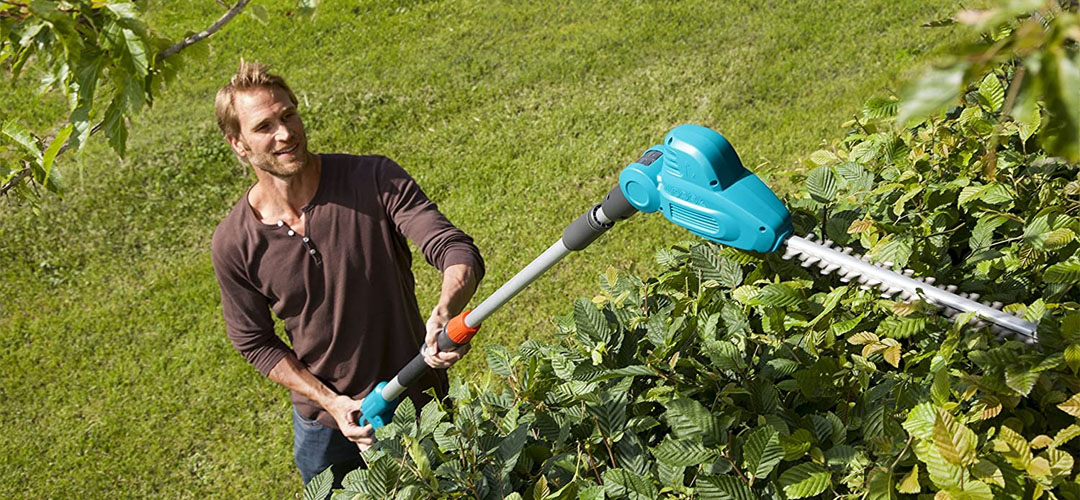 Best Cordless Hedge Trimmers Banner Image